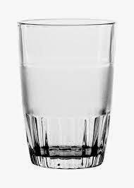 Cara Minum Peninggi Badan dengan Gelas Kaca