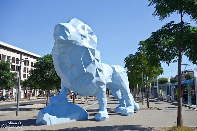 Centre ville de Bordeaux en été