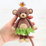 https://amigurumi.today/crochet-cuddle-me-monkey-amigurumi-pattern/