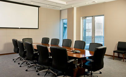 Office-meeting-room-for-a-formal-conference-by-designer