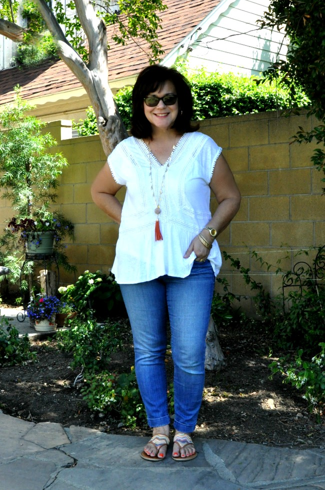skinny cuff jeans and white peplum top