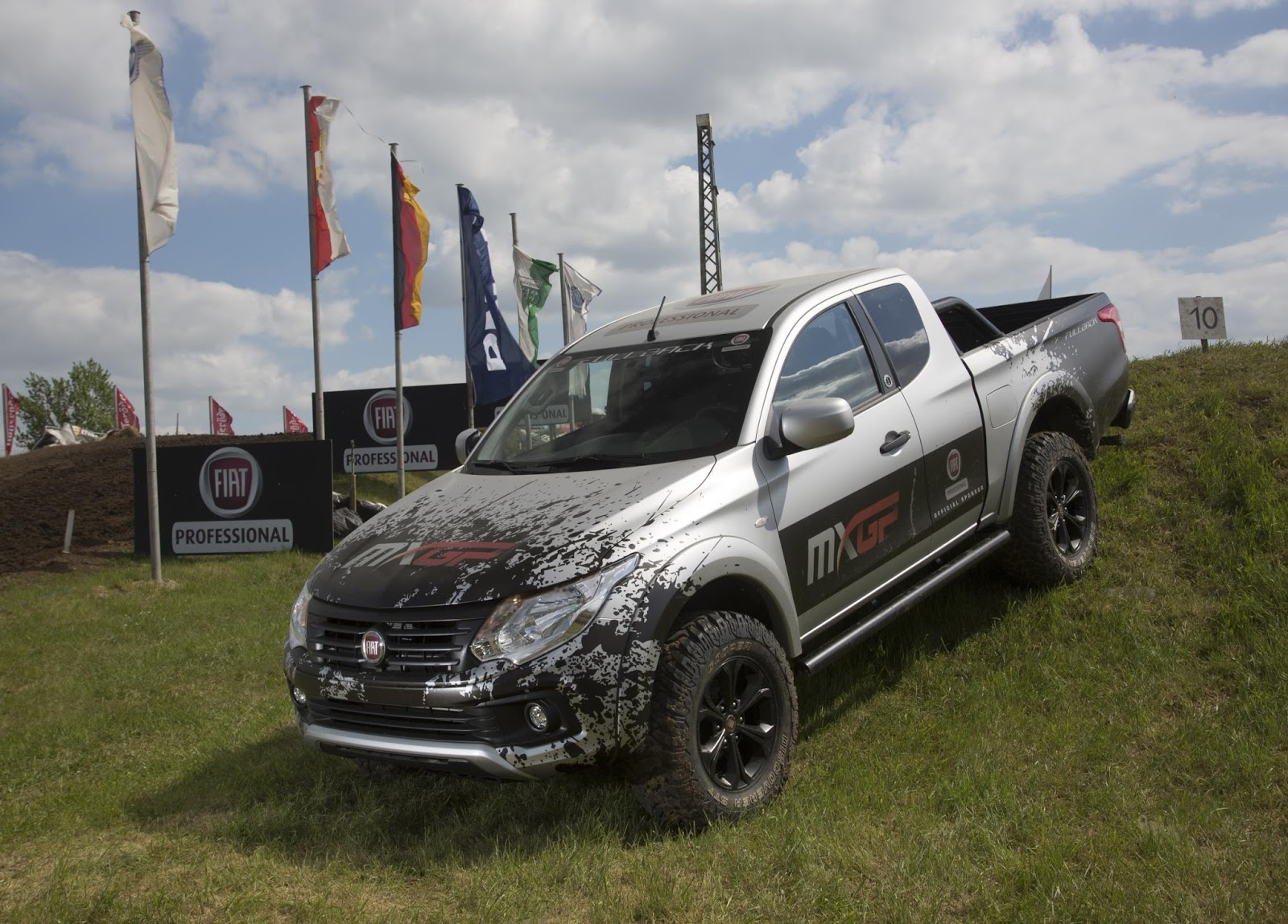 the motoring world the new fiat fullback takes centre stage at the official fim motocross world. Black Bedroom Furniture Sets. Home Design Ideas