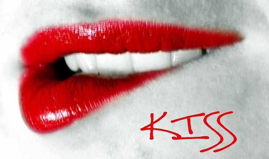 Cara Mudah Membuat Bibir Merah Merona Terlihat Seksi Dan Menawan