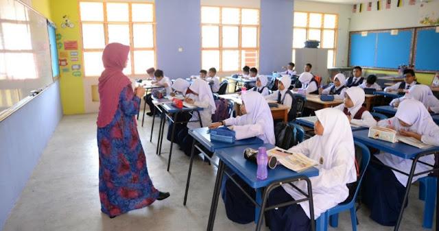 Dr Maszlee Malik, Menteri Pendidikan Malaysia, 5 Inisiatif Kurangkan Beban Tugas Guru, Guru, Guru mengajar, Murid-murid sekolah, guru malaysia, cikgu