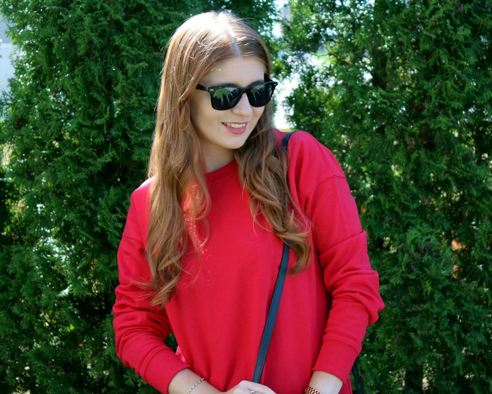 Czerwona bluzo-sukienka