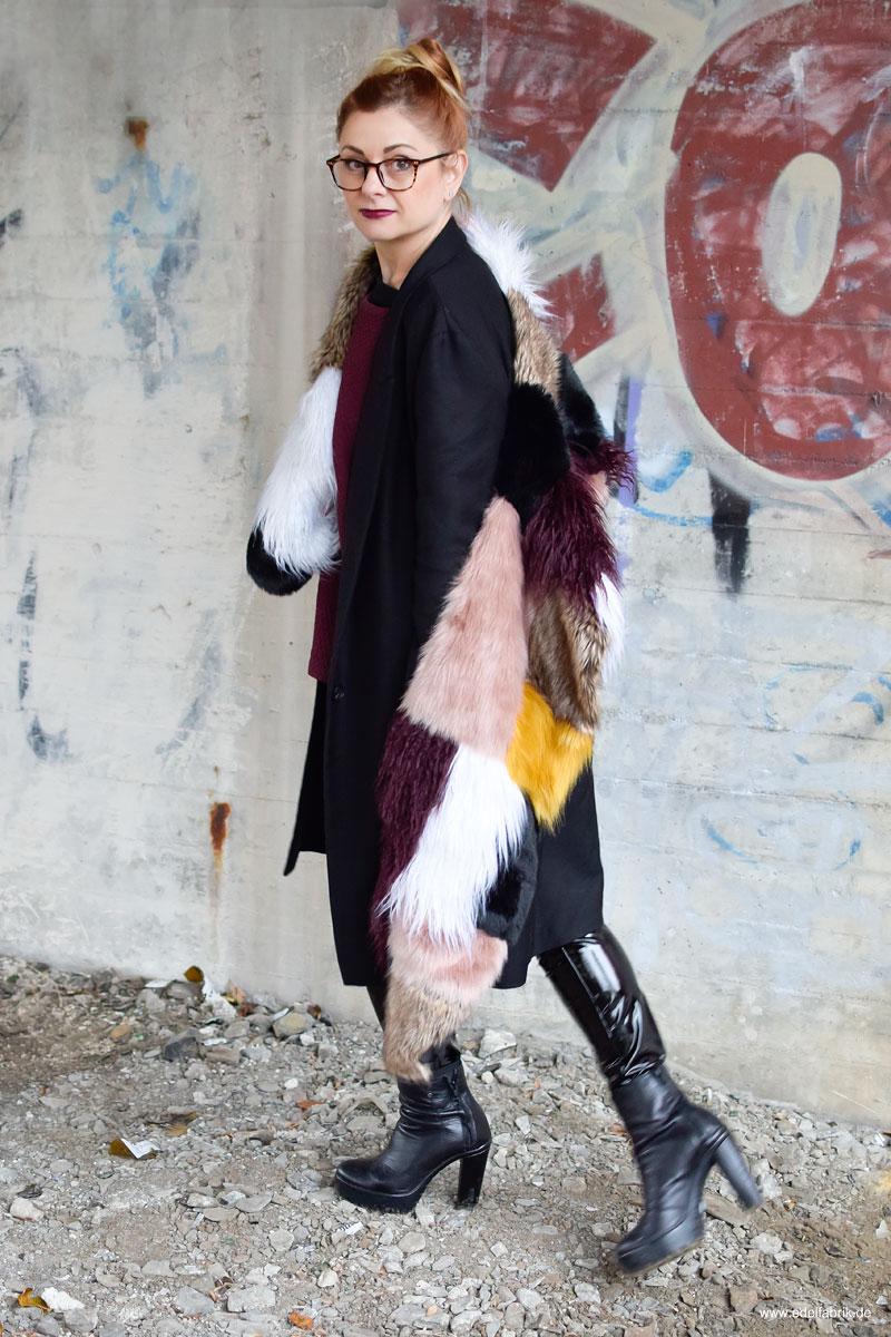 Fake Fur Schal und Lackleder, schwarze Lackleder Leggings