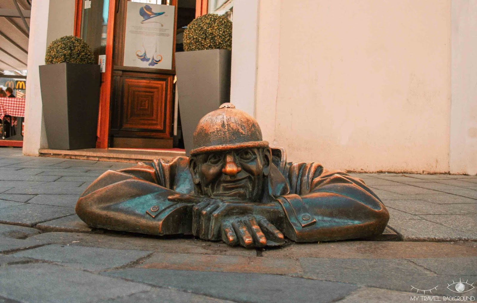My Travel Background : visiter Bratislava, la capitale de la Slovaquie, en 1 jour - Statue Man at Work