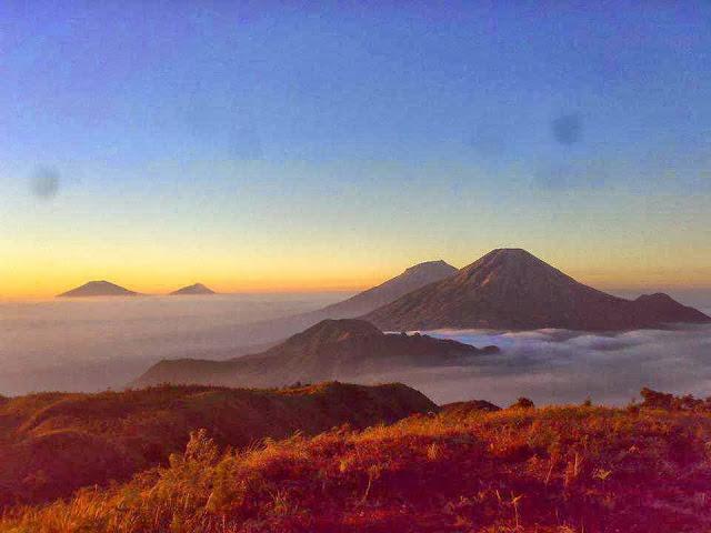 Paket Trekking Gunung Prau