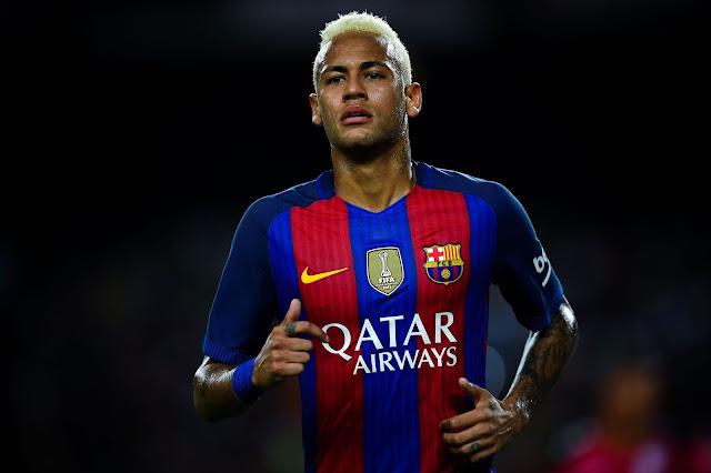 A Fiscalia da Audiência Nacional, em Madri, pediu nesta quarta-feira (23) as prisões de Neymar e Neymar pai por dois anos cada em virtude de suposta ilegalidade na transferência do atleta para o Barcelona, em 2013
