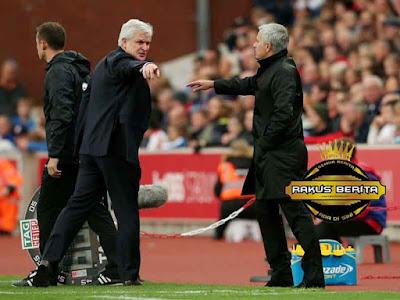 Hughes Mendorong Mourinho, Karena Melewati Batas Teknisnya