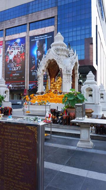 Изображение Алтаря Эраван в Бангкоке, Тайланд