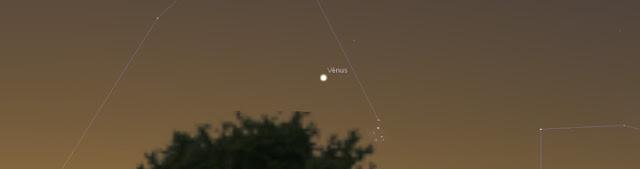 Vênus se encontra com as Plêiades - 25 de abril