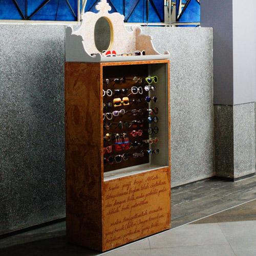 Tinuku.com Nasirun presents display box glasses PRADA and Elton John in solo exhibition titled Carangan in NuArt Sculpture Park