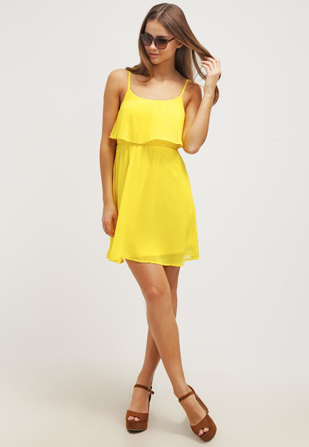 https://www.zalando.fr/even-odd-robe-d-ete-yellow-ev421ca1m-e11.html