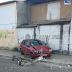 Carro derrubou poste na avenida Jerônimo Câmara