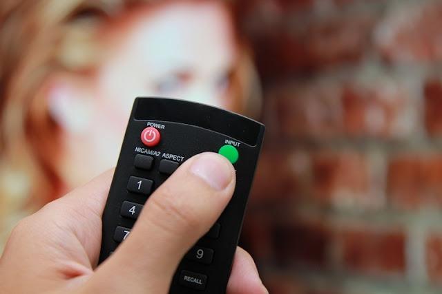 Cách xem ảnh, nghe nhạc, xem phim trên USB bằng tivi Asanzo thường