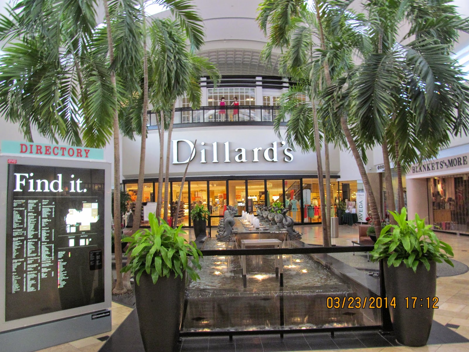 franklin park mall stores