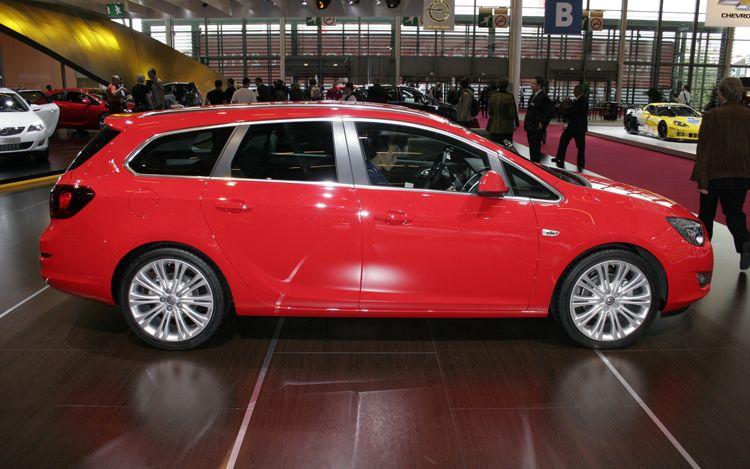 2011 cars 2011 opel astra sports tourer. Black Bedroom Furniture Sets. Home Design Ideas