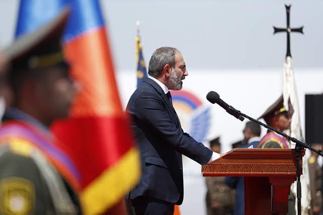 Furor por el discurso de Pashinyan en el Día de la Primera República