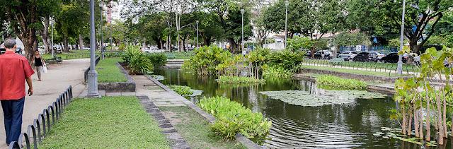 O Campo de Santana fica na Praça da República, Centro, RJ, sem número. Fica aberto ao público das 7h às 17h .