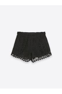 Pantaloni scurți din dantelă TOP SECRET