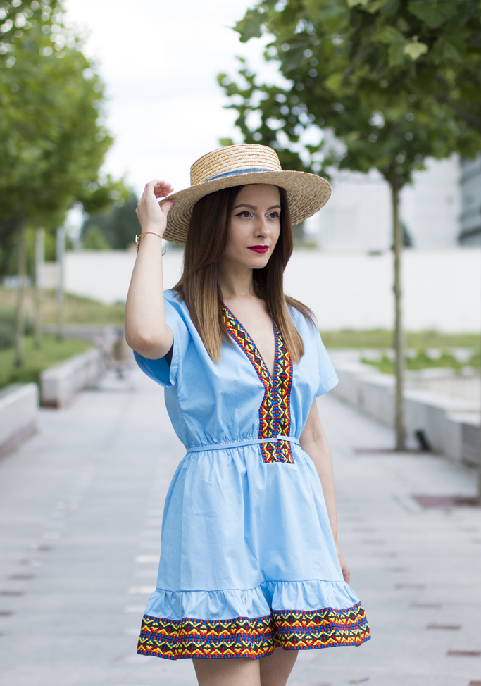 how to wear the straw hat
