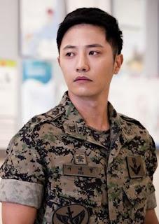 Jin Goo sebagai Sersan Mayor Seo Dae-young (aka Wolf)