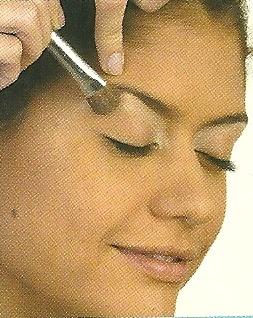 Como maquillarse con sombras metalizadas