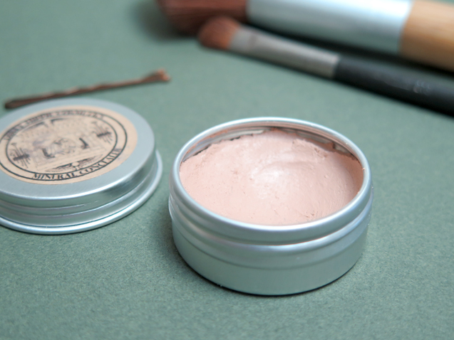 Review: Dirty Hippie Cosmetics Mineral Cream Concealer
