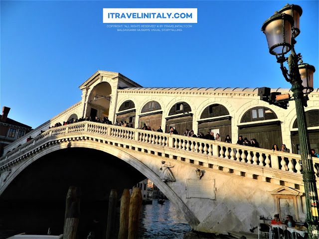 "The Rialto Bridge in Venice. Venezia Copyright ""All rights reserved"" © By itravelinitaly.com Baldassarri Giuseppe Visual Storytelling."
