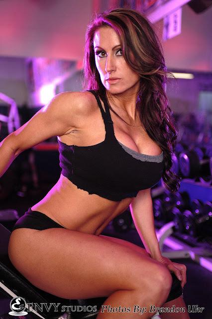 IFBB Bikini Pro Jennifer Dawn