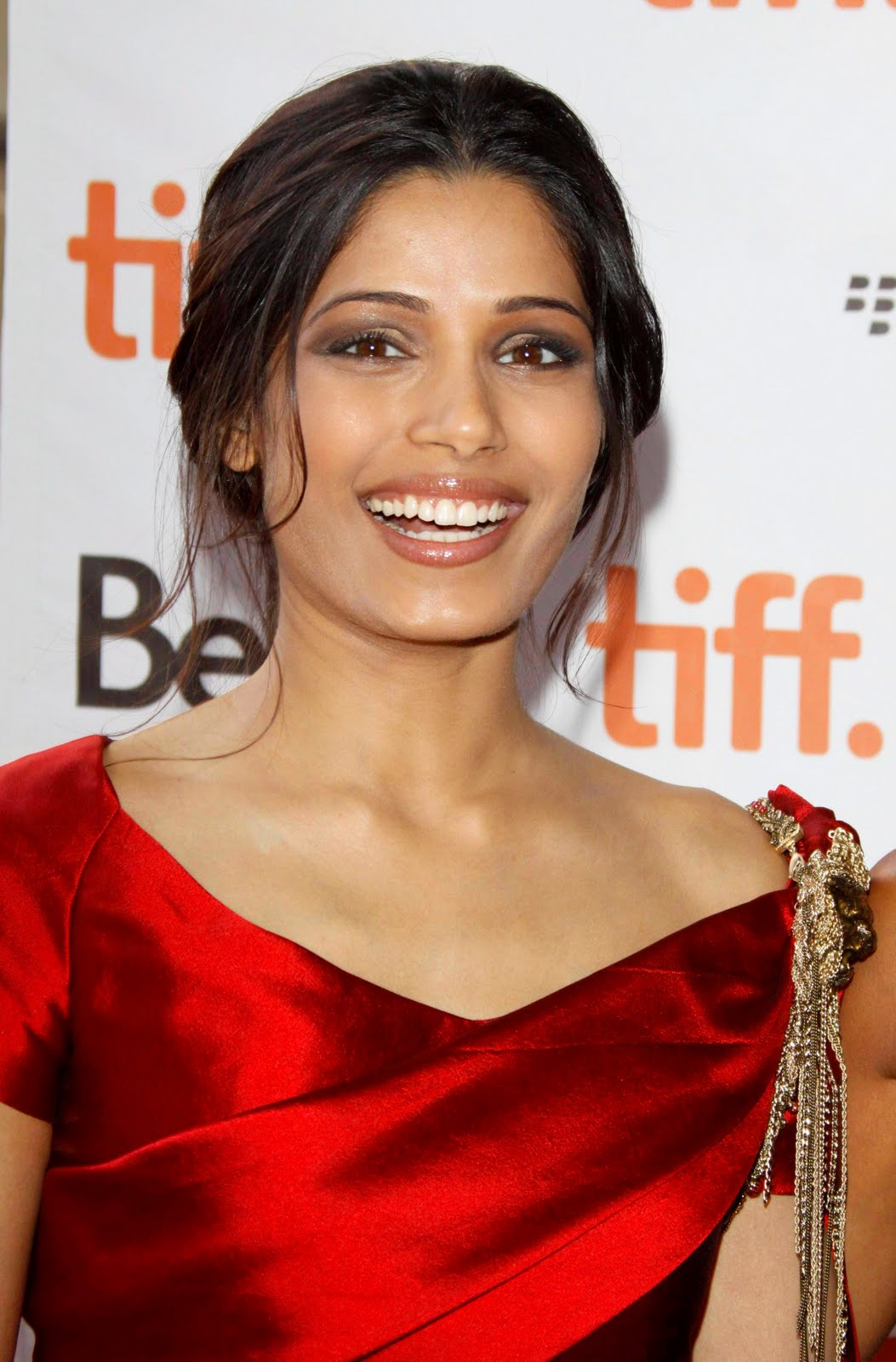 Young Style Model: Freida Pinto Photos