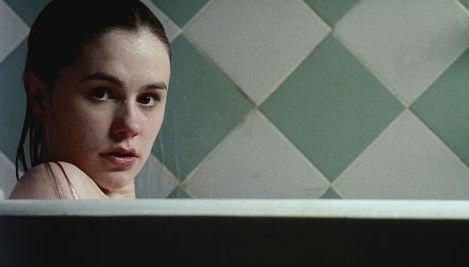 Bathtub time fun with Anna Paquin