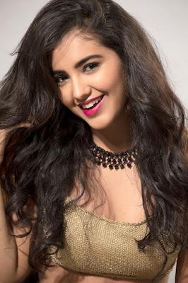 Malavika Sharma Close Up and Beautiful and Cute Face HD Photo 6