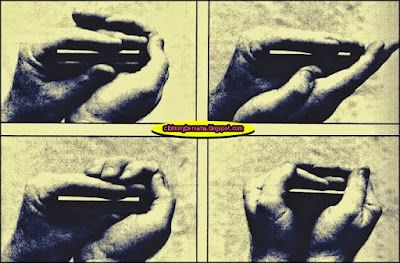 how to hold the harmonica