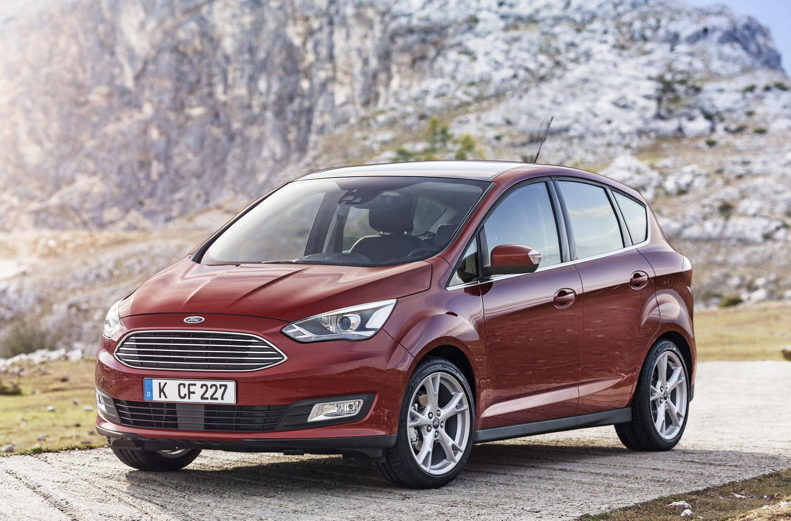 2015 ford c max facelift family revealed in 43 photos carscoops. Black Bedroom Furniture Sets. Home Design Ideas