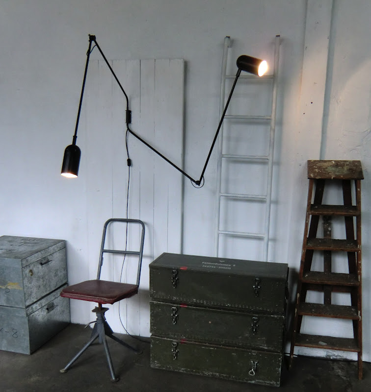wo and w collection lampe murale double bras pivotante industrielle. Black Bedroom Furniture Sets. Home Design Ideas