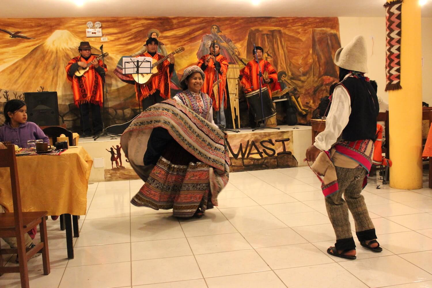 restaurant with dance in chivay