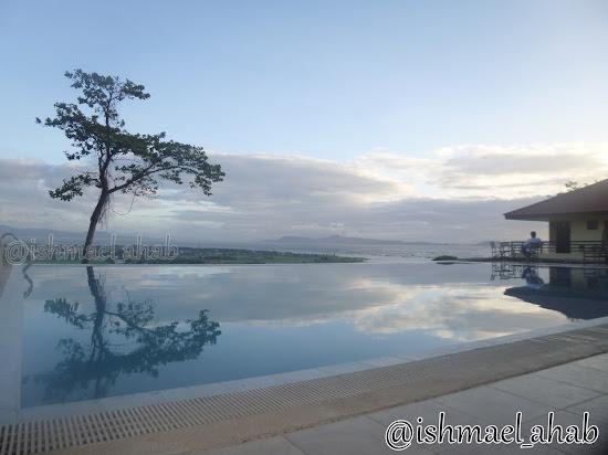 Infinity pool of Punta de Fabian in Baras, Rizal