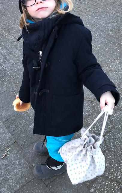 Nachhaltigkeit mit Kindern - Brötchen kaufen in der eigenen Tüte - Ever & Again