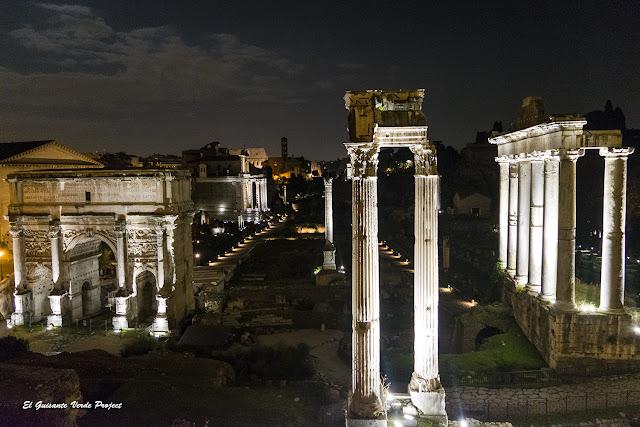 Vista nocturna Foro Romano por El Guisante Verde Project