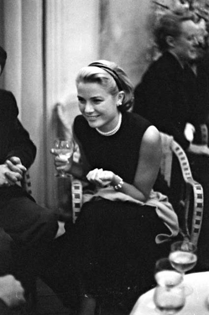 Luxuria Blog: Posh in Pearls-Grace Kelly