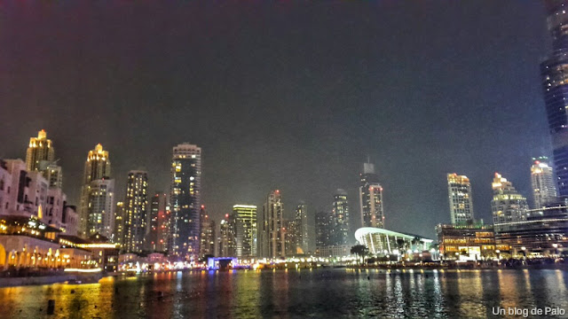 Vistas nocturnas de Dubai
