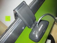 geklappt oben: AUSDOM® AW310 720P USB 2,0 HD Webcam Kamera mit eingebautem Mikrofon für PC, Laptop Schwarz