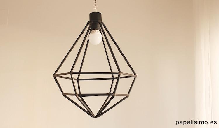 Lámpara geométrica con pajitas