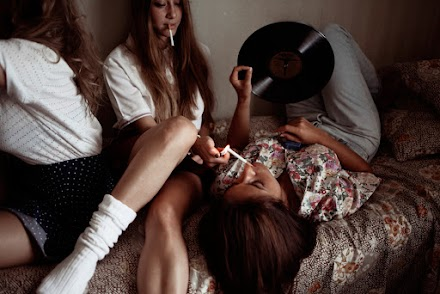 Young Adults Beautiful Moments - Fotokunst von Guendalina Fiore