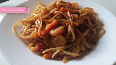 Spaguettis con gambas y verduras