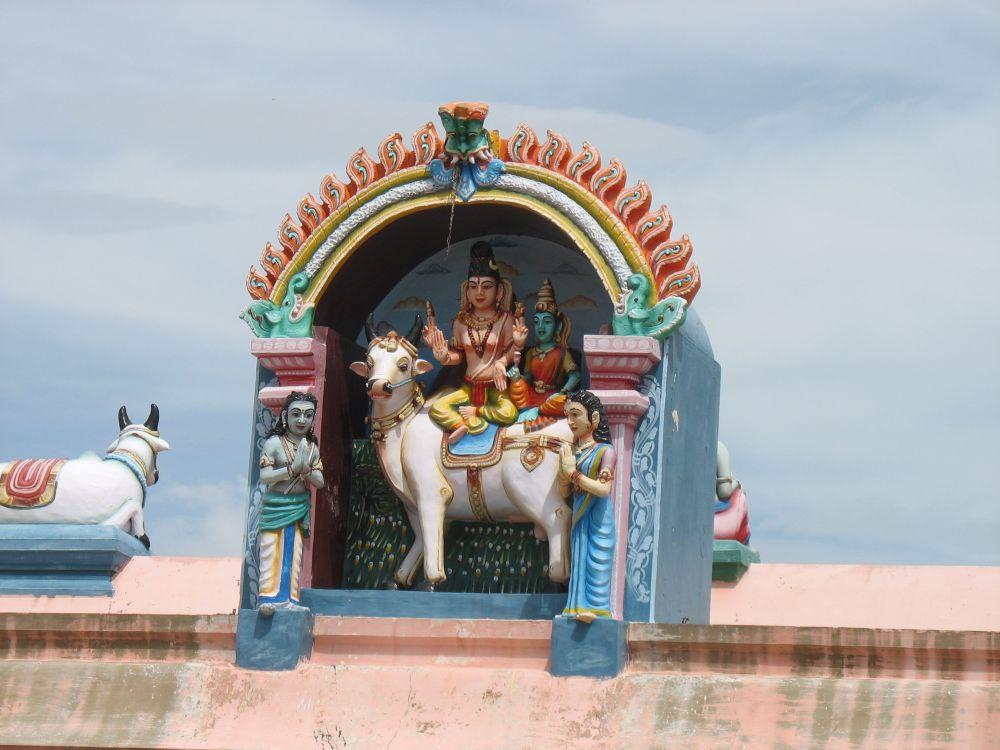 ARUNACHALA GRACE: Peaceful Adiannamalai Temple