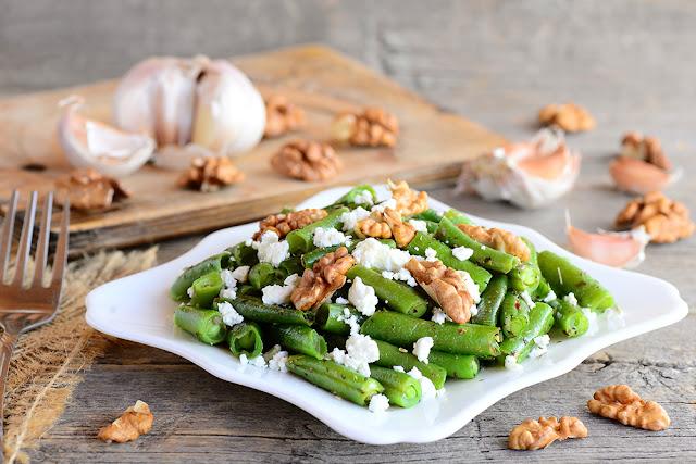 Salata de fasole verde cu branza cottage
