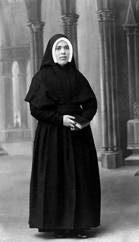 A Irmã Lúcia quando estava nas religiosas doroteias.